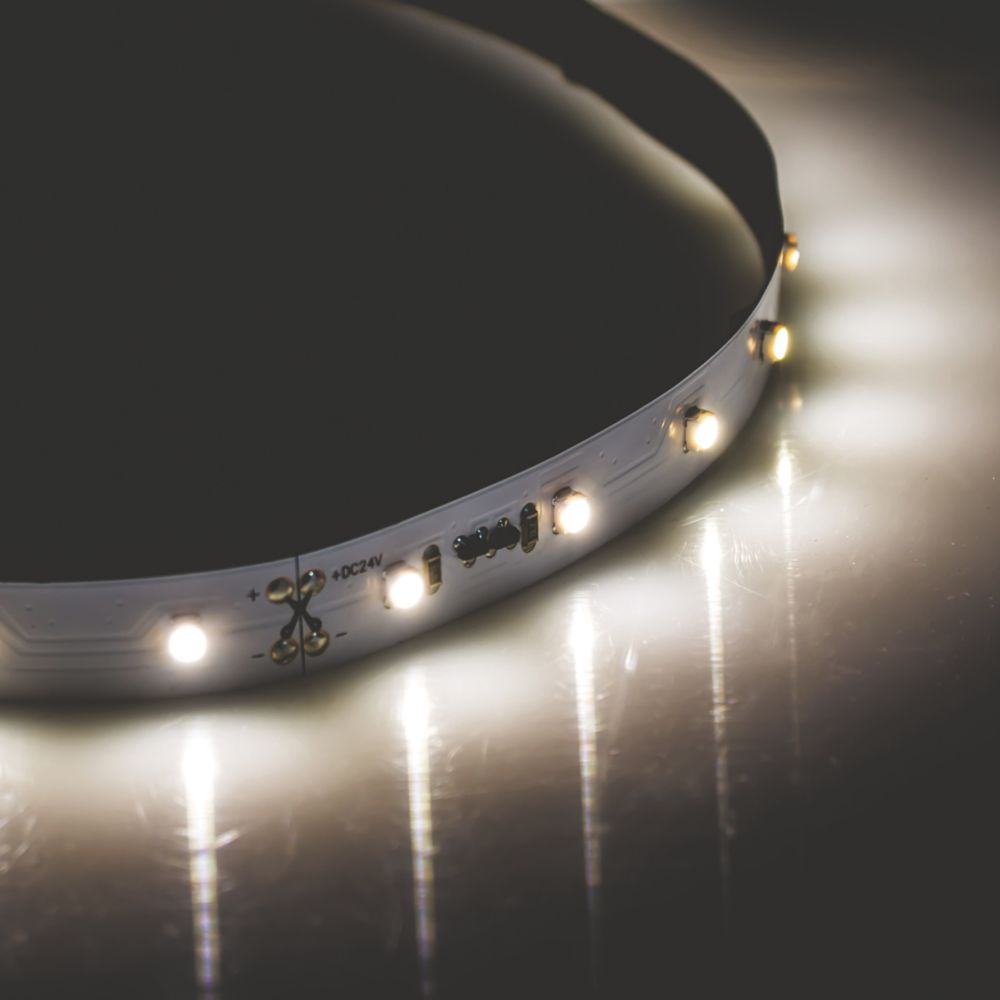Collingwood ST54020 White LED Strip Pack Cool White 5000mm 5W