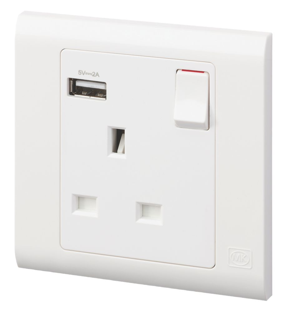 MK Essentials 13A 1-Gang DP Switched Socket + 2.4A 1-Outlet USB Charger White with Colour-Matched Inserts