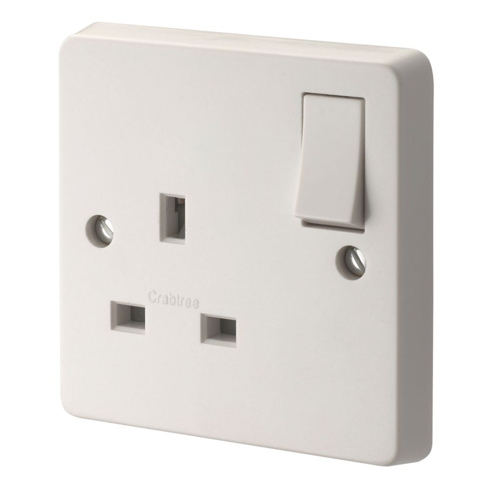 Crabtree Capital 13A 1-Gang DP Switched Plug Socket White