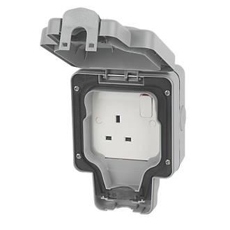 MK  IP66 13A 1-Gang DP Weatherproof Outdoor Switched Socket