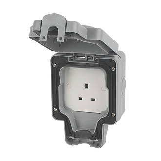 MK Masterseal Plus IP66 13A 1-Gang Weatherproof Outdoor Unswitched Socket