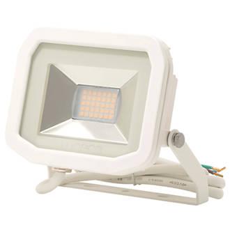 Luceco LFS6W130 LED Slim Floodlight 8W White Warm White