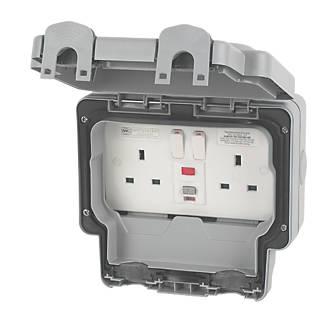 MK Masterseal Plus IP66 13A 2-Gang DP Weatherproof Outdoor Switched Passive RCD Socket